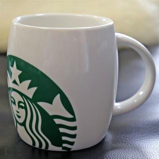 スターバックスコーヒー(Starbucks Coffee)の新品★スターバックス★大きめマグカップ 樽型 グランデサイズ弱 2010年製 白(食器)