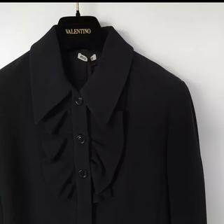 ミュウミュウ(miumiu)のミュウミュウ miumiu フリル コートジャケット ブラック 40(スプリングコート)