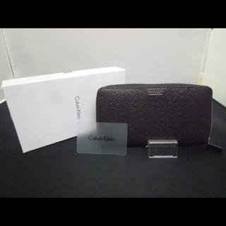 カルバンクライン(Calvin Klein)のCaivin Kiein ロゴ型押し 長財布  F-X609(長財布)