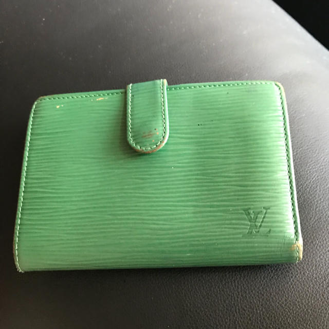 new style 2c41d 91be0 LOUIS VUITTON エピ折りたたみ財布 緑   フリマアプリ ラクマ