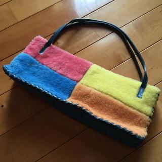 カテリーナルッキ(Caterina Lucchi)の値下げ!イタリア製  スウェード&モコモコ    バッグ(ハンドバッグ)
