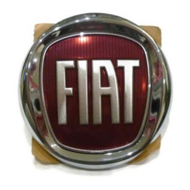 【新品、純正】フィアット FIAT リアエンブレム プレート 500 自動車/バイクの自動車(車種別パーツ)の商品写真