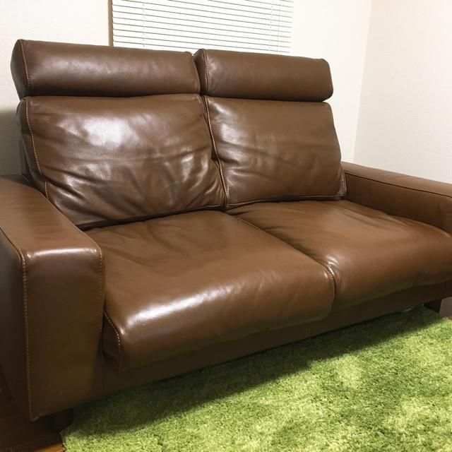 暮らし方やスペースに合わせて自由に組み合わせられるソファです。 組み立ても簡単で、アームは左右どちらにも取付けできます。  座り心地にこだわっており、シンプルで ...