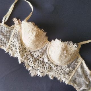 ヴィクトリアズシークレット(Victoria's Secret)のシャルレ ブラジャー 32D ヴィクトリアシークレット(ブラ)