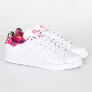 アディダス(adidas)のアディダス スタンスミス s75564 サクラ 海外限定 farm 花柄 ピンク(スニーカー)