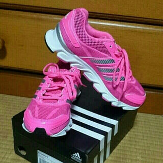 アディダス(adidas)のadidas ランニングシューズ ピンク(ランニング/ジョギング)