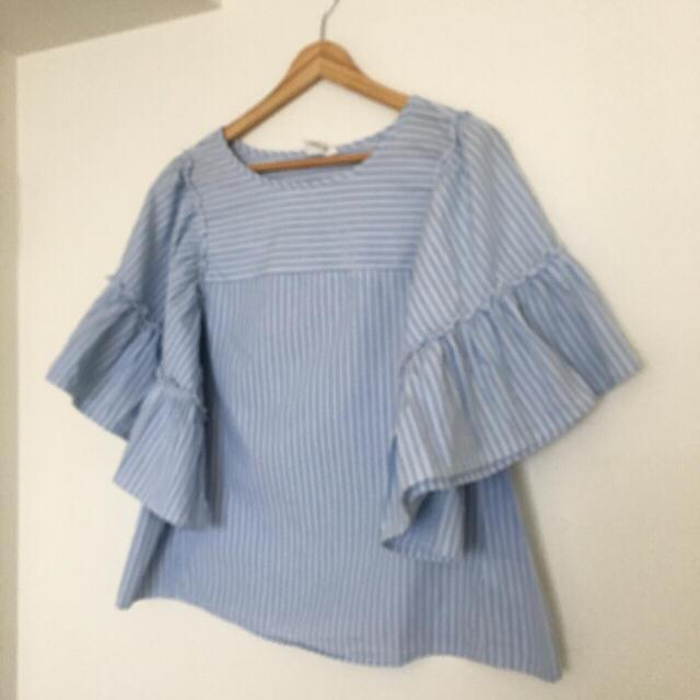 GAP(ギャップ)のGAP♡ボリューム袖オーバーサイズブラウス美品 レディースのトップス(シャツ/ブラウス(半袖/袖なし))の商品写真