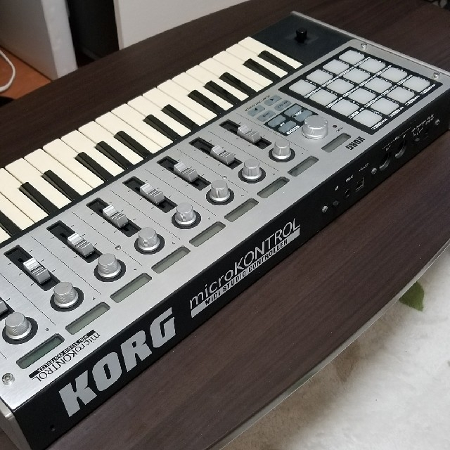 KORG(コルグ)のKORG microKONTROL MIDIコントローラ 楽器のDTM/DAW(MIDIコントローラー)の商品写真
