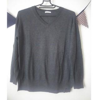 ユニクロ(UNIQLO)のユニクロ Vネックセーター Sサイズ(ニット/セーター)