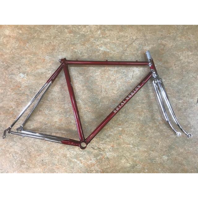 ロイヤルノートン クロモリロードフレーム ダークレッド 520mm芯×トップ スポーツ/アウトドアの自転車(自転車本体)の商品写真