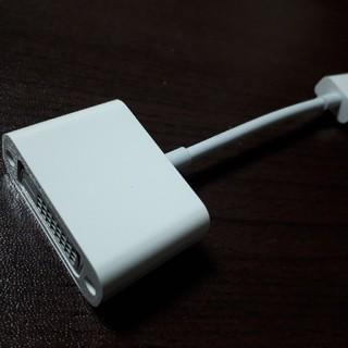 マック(Mac (Apple))のapple純正 USBディスプレイアダプタ macbook使用可(PC周辺機器)