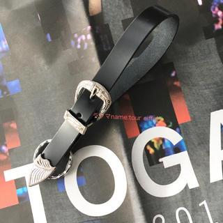 トーガ(TOGA)の希少!新品 TOGA  ノベルティ メタル キーホルダー  黒 ショッパー付(キーホルダー)