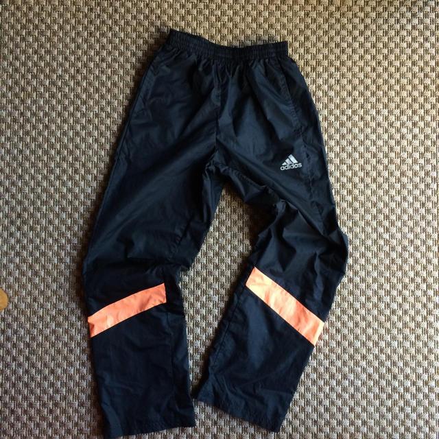 adidas(アディダス)のシャカシャカズボン キッズ/ベビー/マタニティのキッズ服 男の子用(90cm~)(パンツ/スパッツ)の商品写真