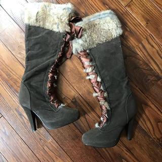 ラビットファーのリボン編み上げブーツ(ブーツ)