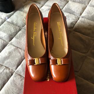 サルヴァトーレフェラガモ(Salvatore Ferragamo)のフェラガモ靴(ハイヒール/パンプス)