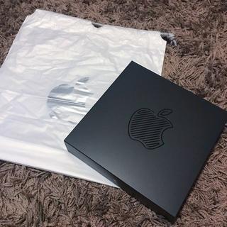 アップル(Apple)のApple 新宿 限定ノベルティ Tシャツ ピンバッジ(ノベルティグッズ)