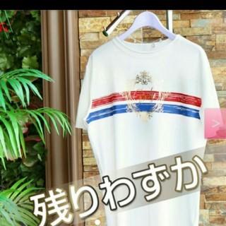 レディー(Rady)のかすれフレームRadyメンズTシャツ*ホワイト×レッド(Tシャツ/カットソー(半袖/袖なし))