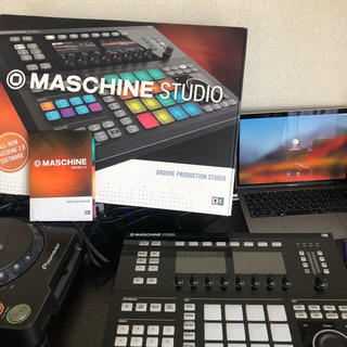 Native instrument studio (MIDIコントローラー)