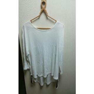 エオトト(EOTOTO)のフリジン付きティシャツ(Tシャツ/カットソー(七分/長袖))