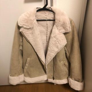 アベイル(Avail)のコート(毛皮/ファーコート)