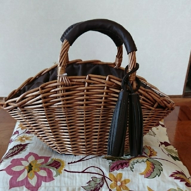しまむら(シマムラ)のしまむら かごバッグ ガゴバッグ タッセル付き ブラウン レディースのバッグ(かごバッグ/ストローバッグ)の商品写真