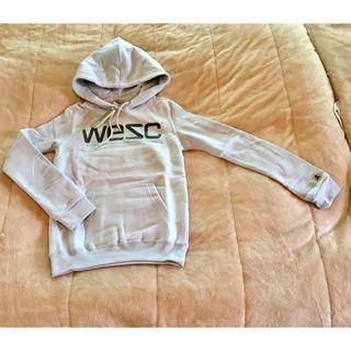 ウィーエスシー(WeSC)のwesc クールアイスグレー S 細身 パーカー 重ね着にも(パーカー)