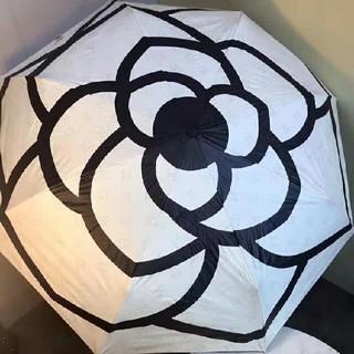 コーチ(COACH)のCHANELシャネル折り畳み傘 オフホワイト 晴雨兼用 自動開閉(傘)