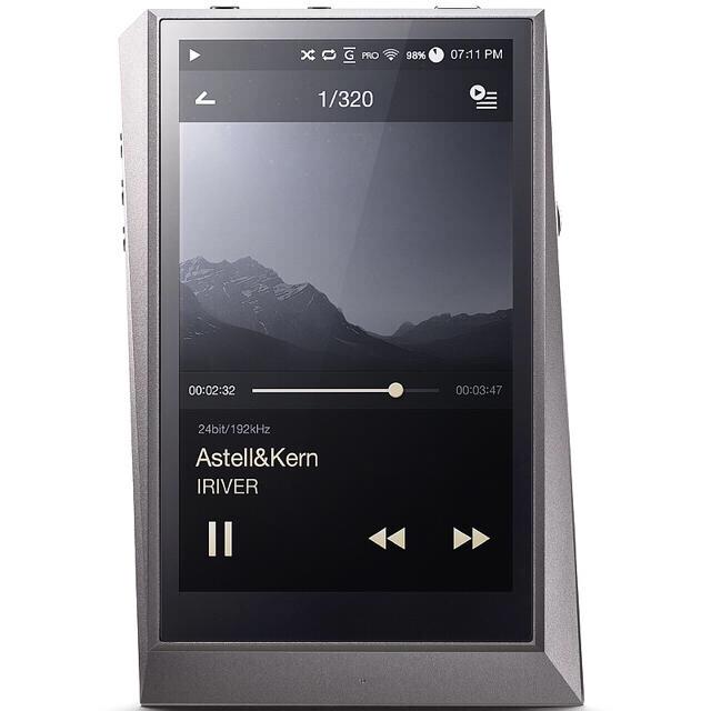 iriver(アイリバー)のAK320 Vannuysケース付き スマホ/家電/カメラのオーディオ機器(ポータブルプレーヤー)の商品写真