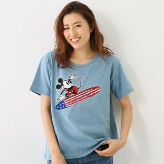ロデオクラウンズワイドボウル(RODEO CROWNS WIDE BOWL)のブルーです!RCWB×DisneyコラボMickey Surf刺繍Tシャツお買得(Tシャツ(半袖/袖なし))