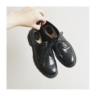 ドクターマーチン(Dr.Martens)のマーチン風 4ホールシューズ(ローファー/革靴)