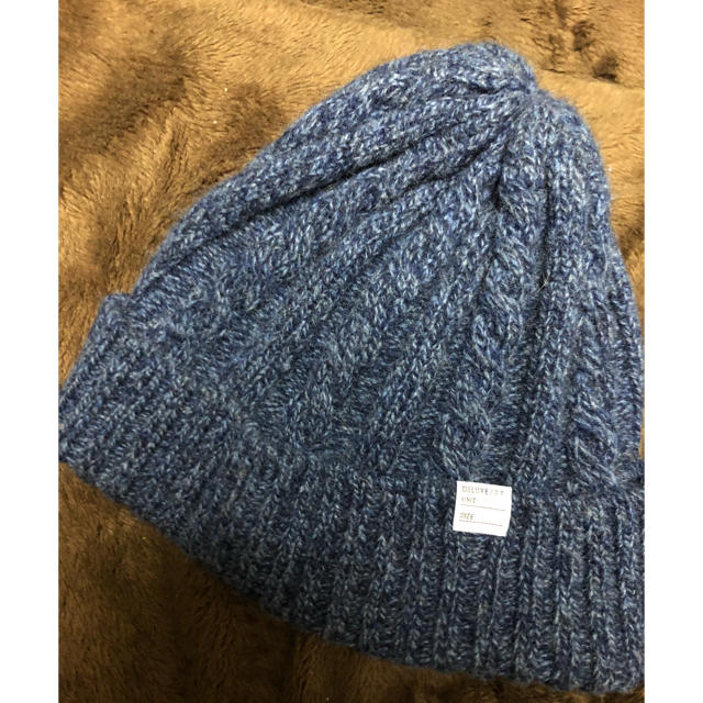 DELUXE(デラックス)のDELUX ニット帽 メンズの帽子(ニット帽/ビーニー)の商品写真