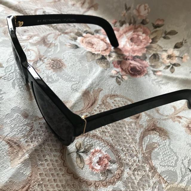 SUPER(スーパー)のRETROSUPERFUTURE レトロスーパーフューチャー サングラス レディースのファッション小物(サングラス/メガネ)の商品写真