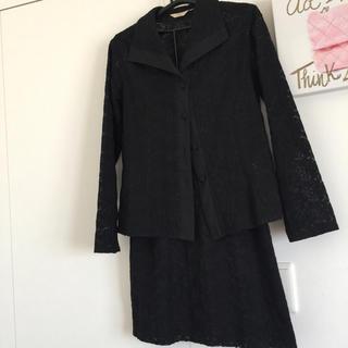 ヨンドシー(4℃)の黒のレースのスーツ(スーツ)