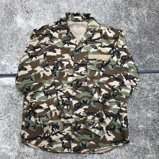 ジーユー(GU)のgu シャツジャケット 迷彩カモフラ(ミリタリージャケット)
