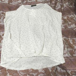 シマムラ(しまむら)の新品しまむら裾タックプルオーバードット柄白M(カットソー(半袖/袖なし))