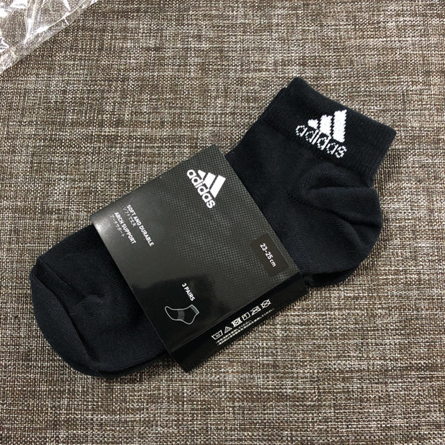 adidas(アディダス)の♡adidas靴下♡新品23-25 レディースのレッグウェア(ソックス)の商品写真