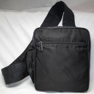 プラダ(PRADA)のプラダ 斜めがけショルダーバック 黒 ボディバック 中古本物 (ボディーバッグ)