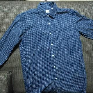 ユニクロ(UNIQLO)のUNIQLO シャツ ドット柄(シャツ)