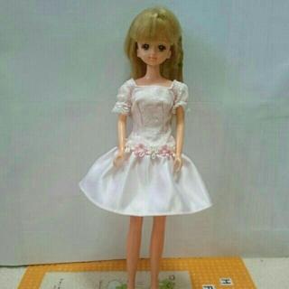 バービー(Barbie)の薄いピンクのワンピース(ぬいぐるみ/人形)