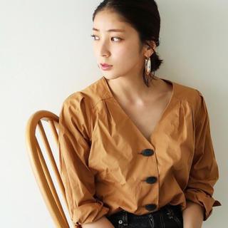 トゥデイフル(TODAYFUL)のtodayful☆Vネックタックシャツ(シャツ/ブラウス(長袖/七分))