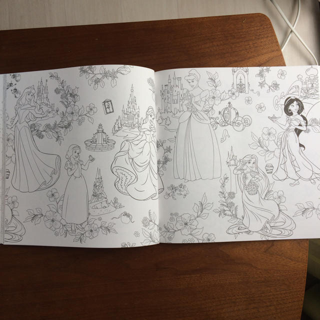 Disney 大人のぬりえ ディズニーとお花の世界の通販 By Sakuras Shop