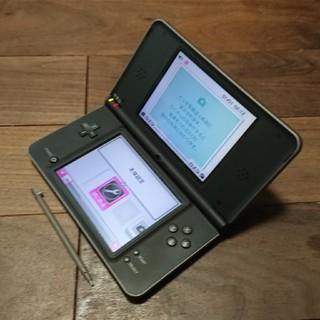 ニンテンドーDS(ニンテンドーDS)の完動品液晶無傷DSiLL本体ダークブラウンVer1.4.4J送料込(携帯用ゲーム機本体)