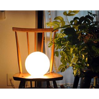ニトリ(ニトリ)のニトリ NITORI:ボールランプ テーブルライト ベッドルームの夜間照明にも(フロアスタンド)