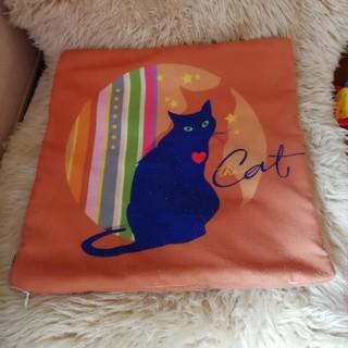 ソサエティシックス(Society6)のクッションカバー society6 猫好きさんに(クッションカバー)