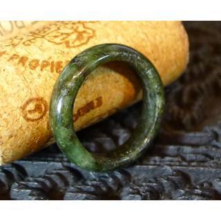 J443 620円 ヒスイ翡翠リング指輪 15号 ジェイド ダークモスグリーン(リング(指輪))