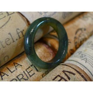 J444 1380円 ヒスイ翡翠リング指輪 14号 ジェイドきれいなモスグリーン(リング(指輪))