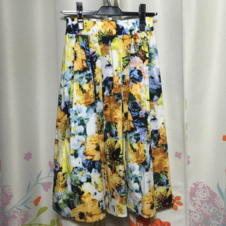 シマムラ(しまむら)の花柄 フラワー フレア ミモレ スカート(ひざ丈スカート)