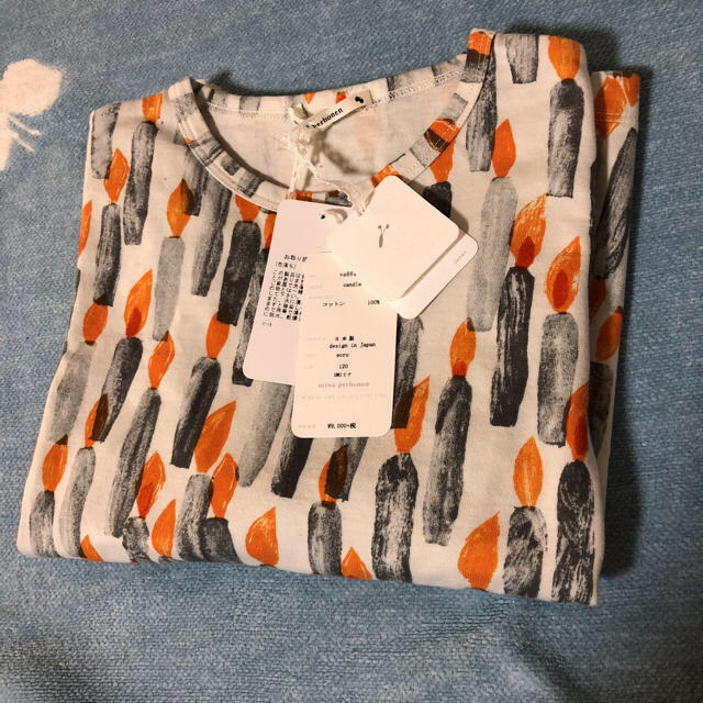 mina perhonen(ミナペルホネン)のミナペルホネン キャンドル 120 キッズ ロンT エクリュ キッズ/ベビー/マタニティのキッズ服男の子用(90cm~)(Tシャツ/カットソー)の商品写真