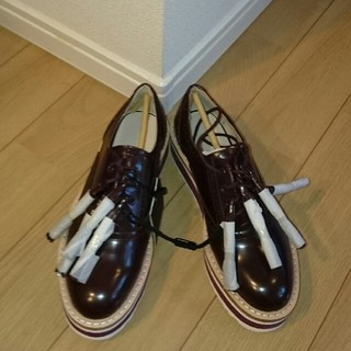 ザラ(ZARA)の新品 ZARA ブルーチャー プラットフォーム(ローファー/革靴)