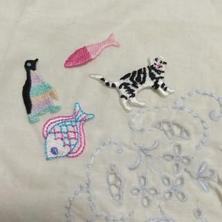 ウンナナクール(une nana cool)の刺繍アップリケ セット(各種パーツ)